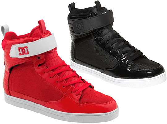 robert pattinson and kristen stewart_28. high tops dc shoes